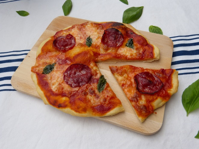 mozzarella_chorizo_pizza